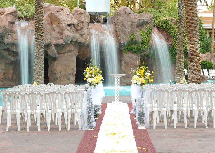 Outdoor vegas weddings planner for Garden pool wedding