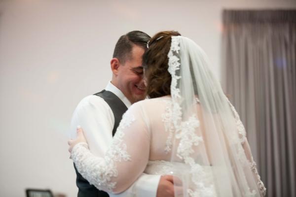 planning a wedding, Bride and groom dancing